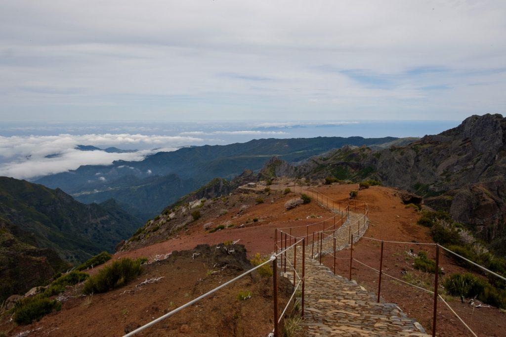 Caminhada do Pico do Areeiro até ao Pico Ruivo